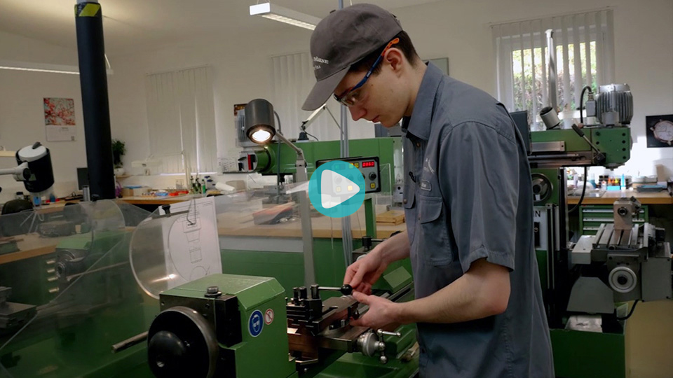 Video Ausbildung Werkzeugmechaniker Lange Uhren GmbH