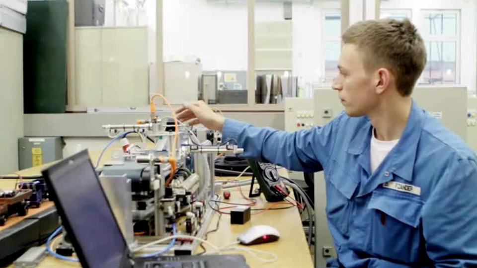 Ausbildung zum Elektroniker für Automatisierungstechnik bei Aurubis