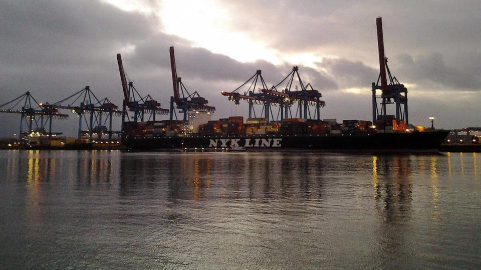 Ausbildung Fachkraft für Hafenlogistik