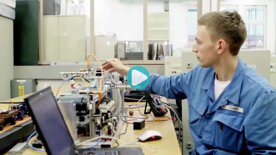 Video Ausbildung Elektroniker für Automatisierungstechnik Elektronikerin für Automatisierungstechnik Aurubis Ag Hamburg